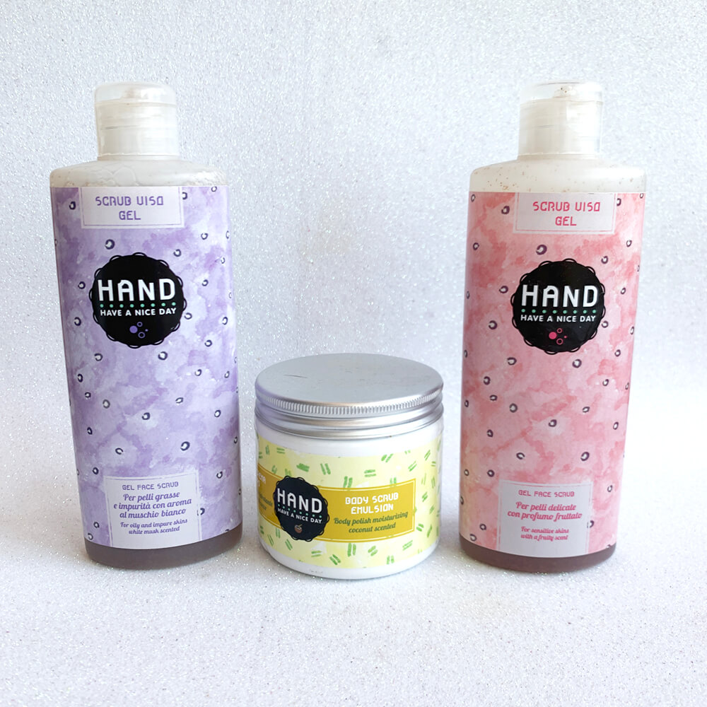 Review Hand Cosmetics SCRUB